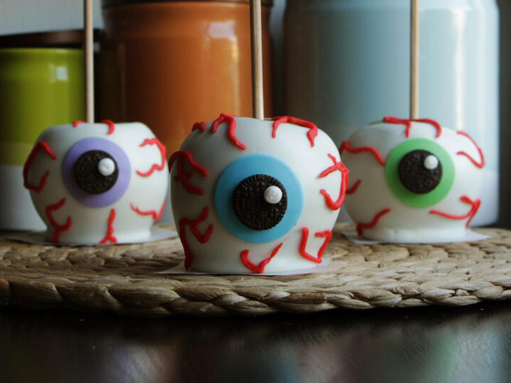 <p>Chocolate Apple Eyeballs</p>