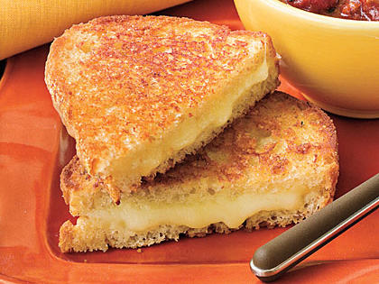 The Cheesiest Grilled Cheese Ever