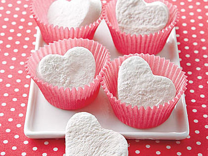 heart-shaped-marshmallows-ay-x.jpg