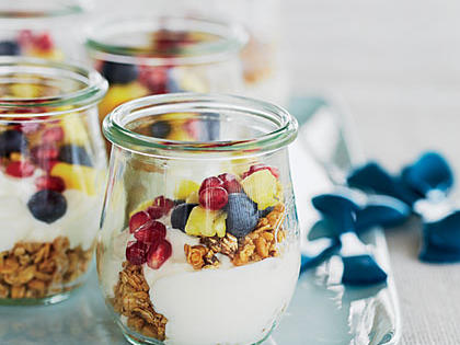 mini-fruit-yogurt-parfaits-cl-x.jpg