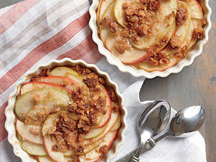 Easy Individual Apple Crisps with Oatmeal Crumble