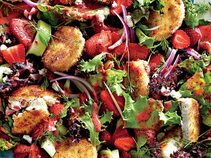 strawberry-salad-with-warm-goat-cheese-croutons-sl.jpg