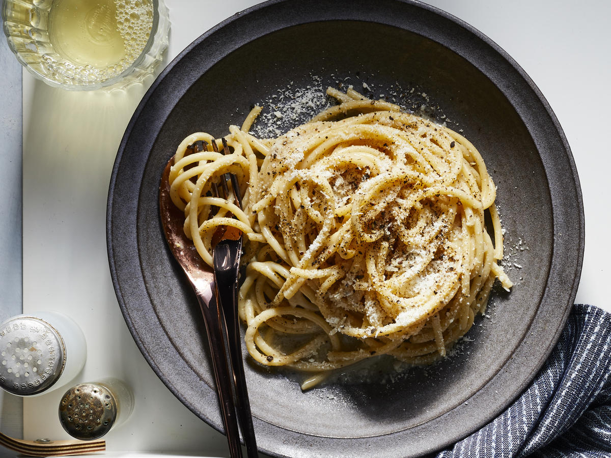Use Grains of Paradise in Cacio e Pepe for a Delightful Twist on a Cheesy Classic