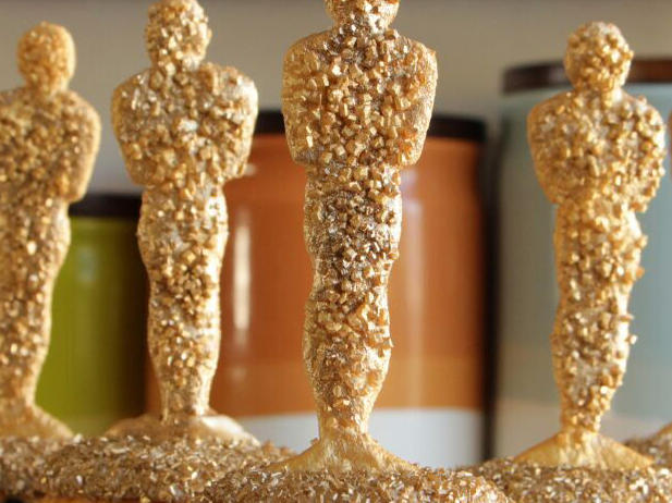 <p>Oscar Awards Cupcakes</p>