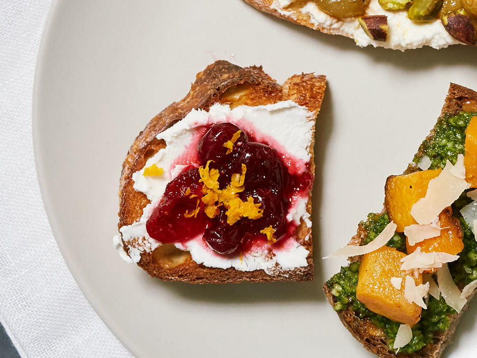 Cranberry Relish and Goat Cheese Toasts