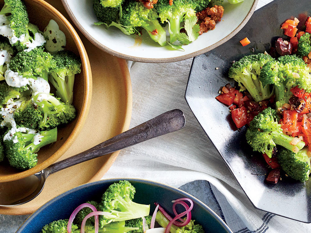 Steamed Broccoli with Creamy Tarragon Dressing